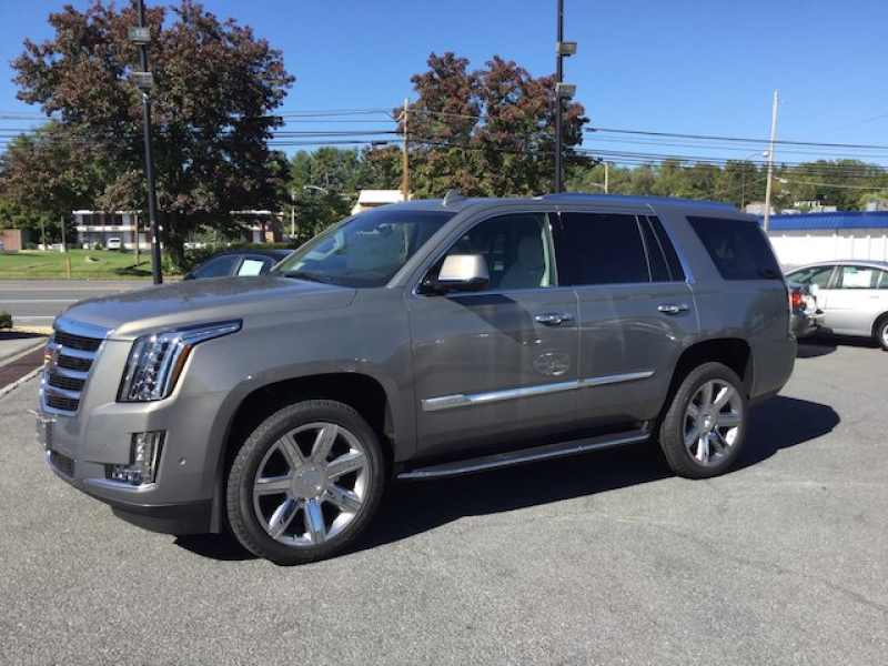 2017 Cadillac Escalade Premium Luxury 1 CarSoup