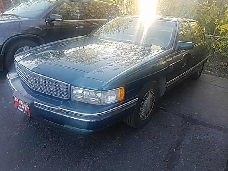 1994 Cadillac Deville Sedan 1 CarSoup