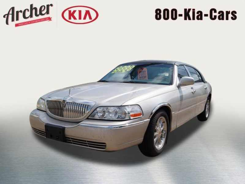 2004 Lincoln Town Car Ultimate 1 CarSoup