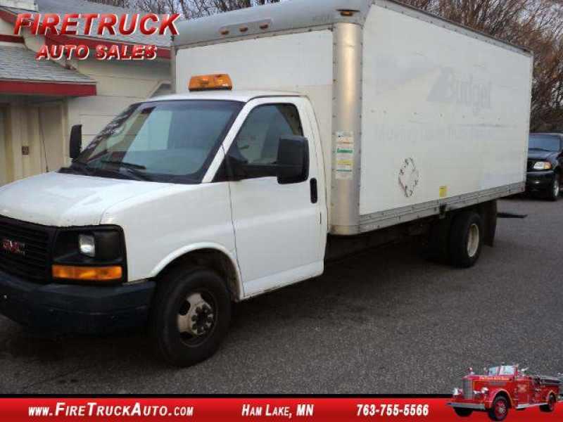 2004 GMC Savana G3500 BOX Truck 1 CarSoup