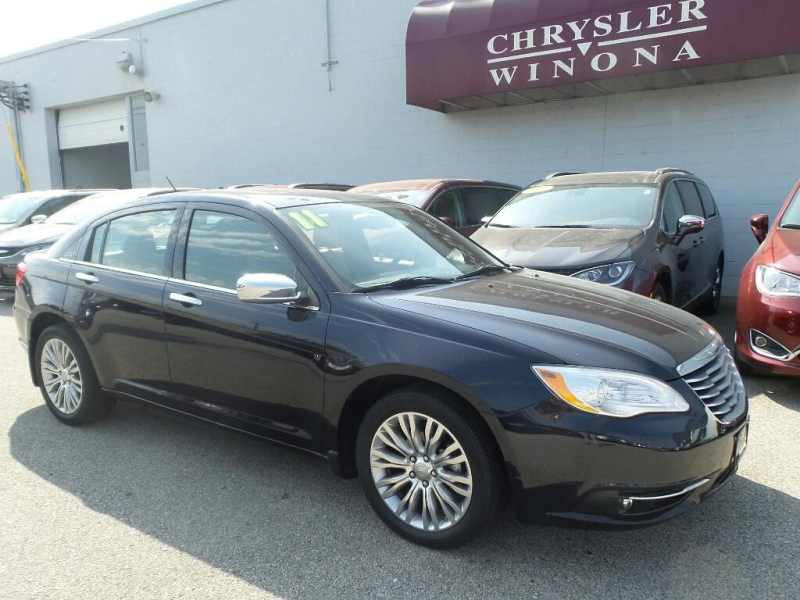 2011 Chrysler 200 Limited 1 CarSoup