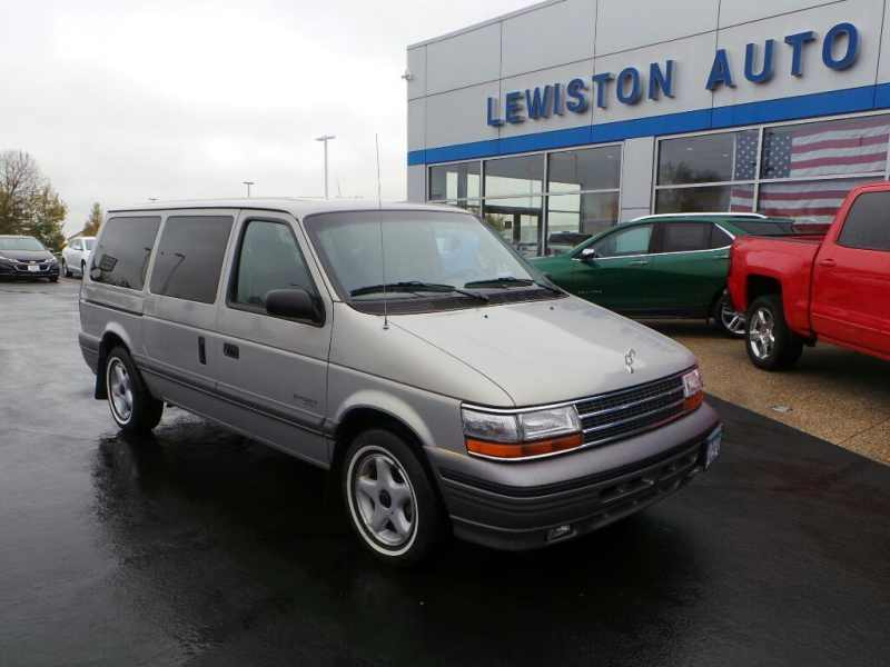 1995 Plymouth Grand Voyager SE 1 CarSoup
