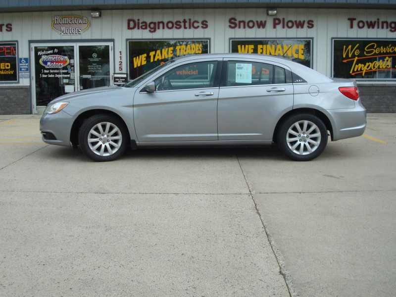 2013 Chrysler 200 Touring 1 CarSoup