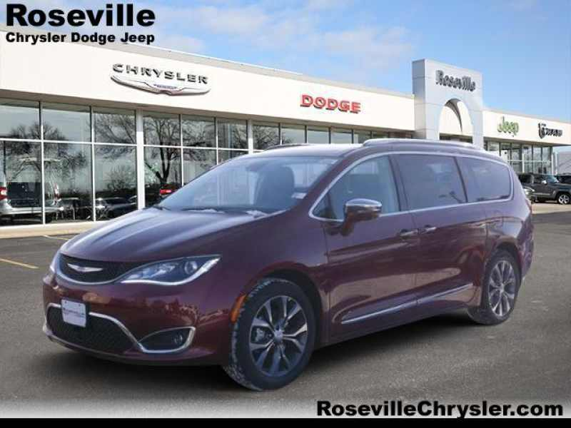 2018 Chrysler Pacifica Limited 1 CarSoup