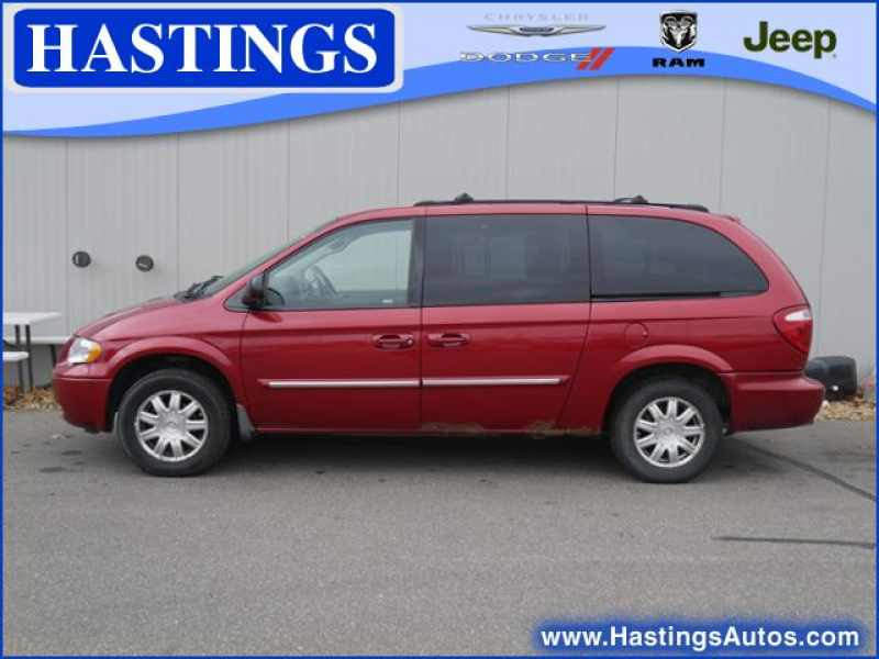 2006 Chrysler Town and Country Touring 1 CarSoup