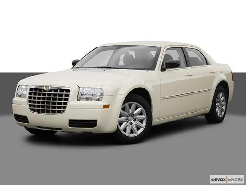 2008 Chrysler 300 LX 1 CarSoup