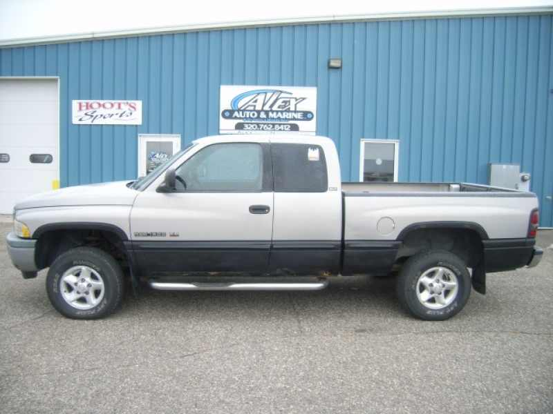 1999 Dodge Ram 1500 Club Cab Short Bed 4WD 1 CarSoup
