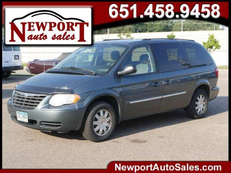 2005 Chrysler Town and Country Touring 1 CarSoup