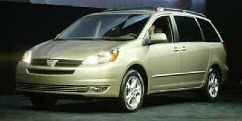 2004 Toyota Sienna LE 7-Passenger 1 CarSoup