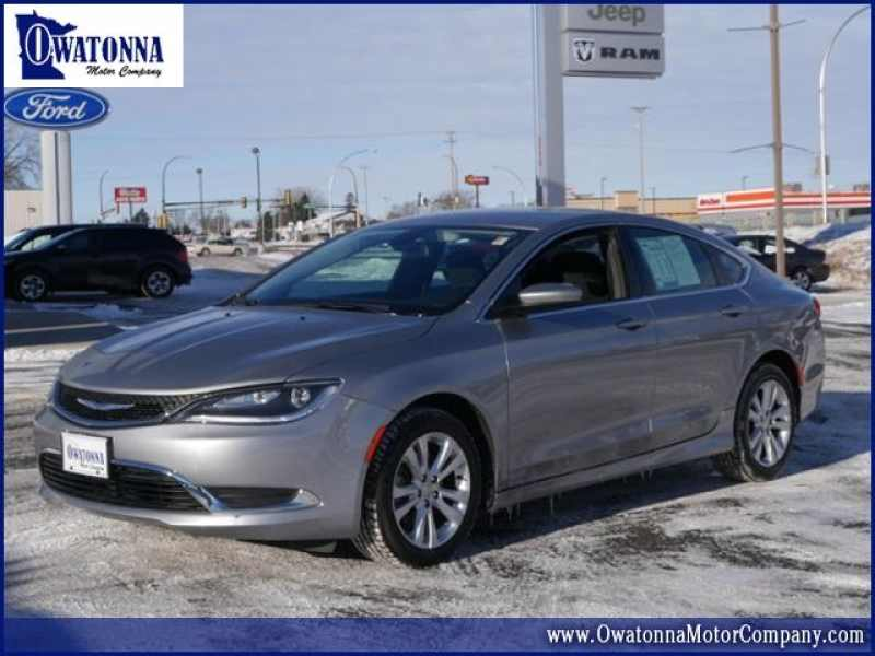 2016 Chrysler 200 Limited 1 CarSoup