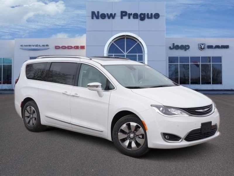 2018 Chrysler Pacifica Hybrid Limited 1 CarSoup