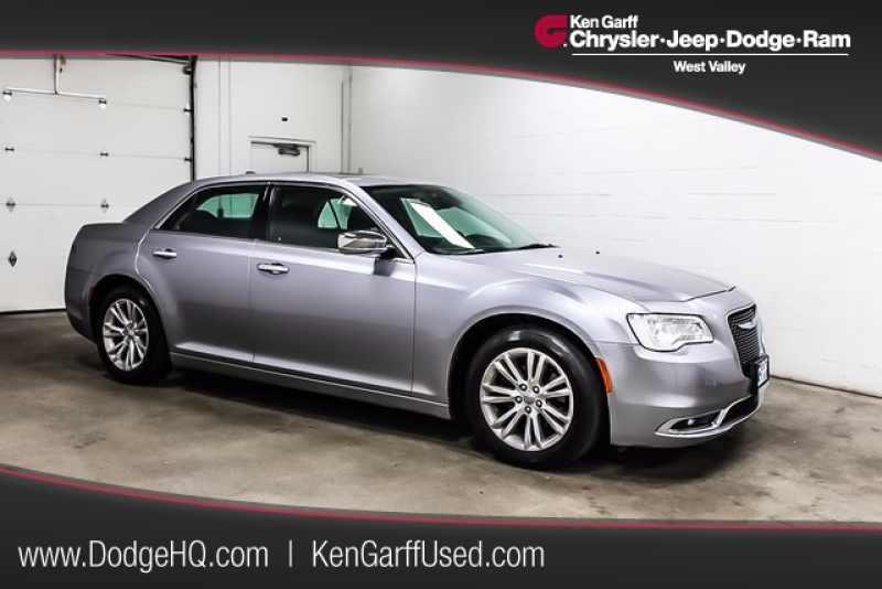 2016 Chrysler 300 C 1 CarSoup