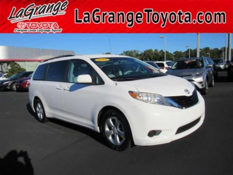 2011 Toyota Sienna LE 7-Passenger Mobility Auto Access 1 CarSoup