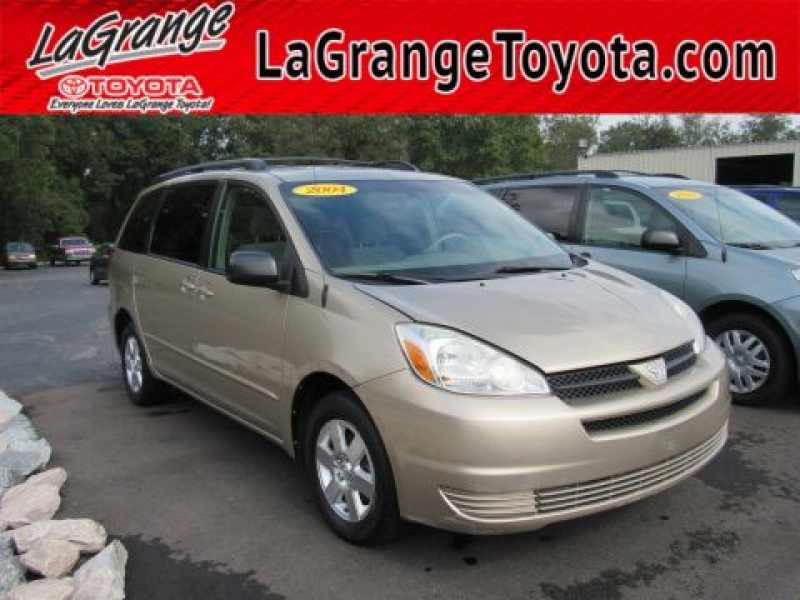2004 Toyota Sienna LE 8-Passenger 1 CarSoup