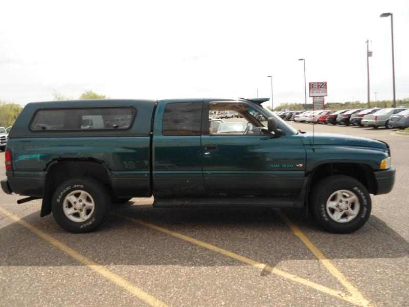 1997 Dodge Ram 1500 ST Club Cab 6.5-Ft. Bed 4WD 1 CarSoup