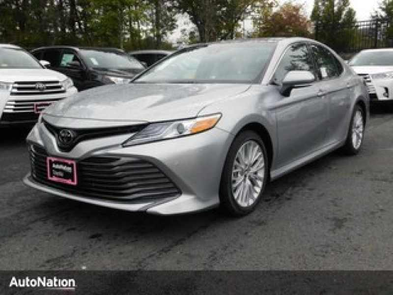 2018 Toyota Camry SE 1 CarSoup