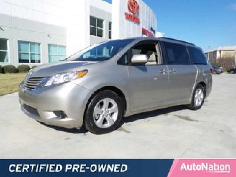 2015 Toyota Sienna LE 7-Passenger Mobility 1 CarSoup