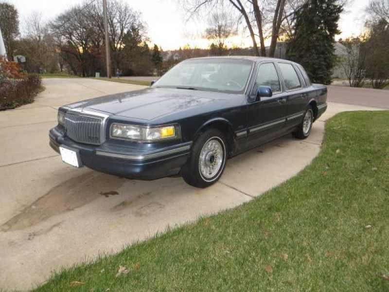1996 Lincoln Town Car Executive 1 CarSoup