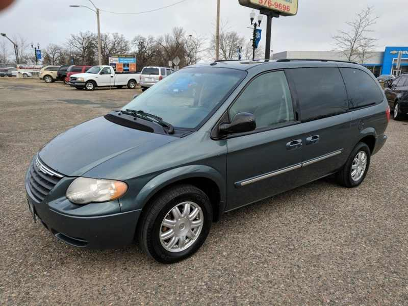 2007 Chrysler Town and Country Touring 1 CarSoup